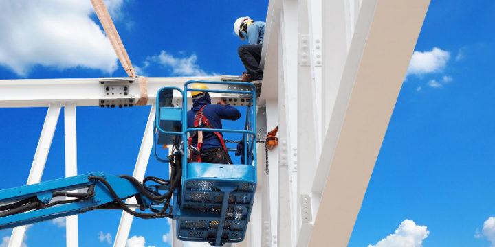 Jak bezpiecznie pracować na wysokości?